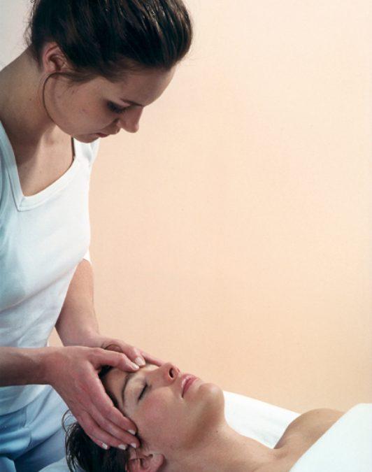 Øvelser mod ømme skuldre og nakke
